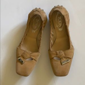 Tods suede flat shoes